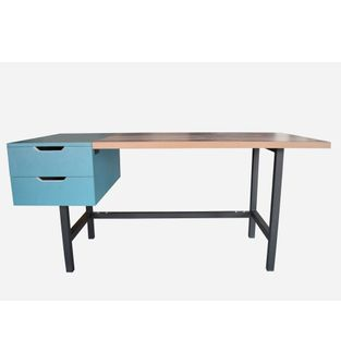 Escritorio-POP-Formica-Timber-blocks-y-formica-azul-petroleo-y-metal-negro