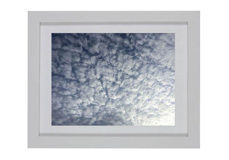 Cuadrícula de nubes marco blanco - elmobiliario